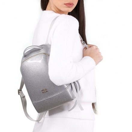 VieTrendy-Furla-Candy-Backpack-Silver-with-Model