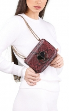 VieTrendy-Kate-Spade-Heart-Red-Snake-with-Model
