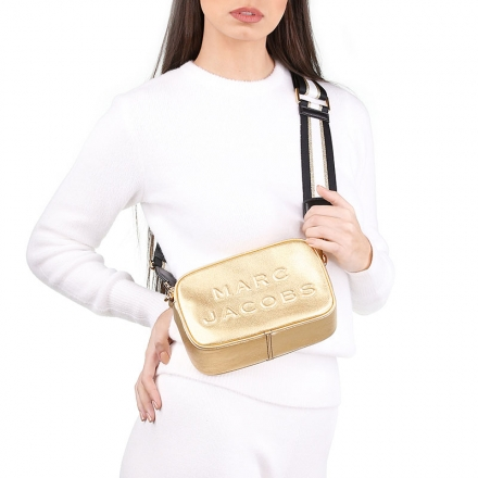 VieTrendy-Marc-Jacobs-Gold-Flash-with-Model