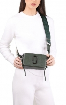 VieTrendy-Marc-Jacobs-The-Snapshot-Monochrome-Green-with-Model