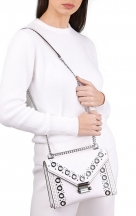 VieTrendy-Michael-Kors-Whitney-White-Leather-Shoulder-with-Model