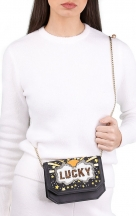VieTrendy-Sarahs-Bag-Lucky-Gold-ShoulderBag-with-Model2