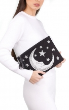 VieTrendy-Sarahs-Bag-Moon-Night-Pouch-with-Model