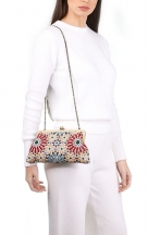VieTrendy-Sarahs-Bag-Moroccan-Classic-with-Model2