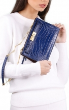 VieTrendy-Tory-Burch-Lee-Radziwill-Small-Bag-Blue-with-Model2