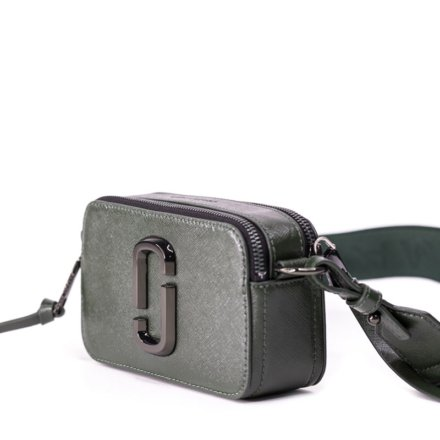 VieTrendy-Marc-Jacobs-The-Snapshot-Monochrome-Green-Side