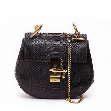 VieTrendy-Chloe-Black-Drew-Shoulder-Bag--Croc-Embossed-Front